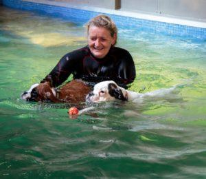 puppy zwemmen - h2Ond